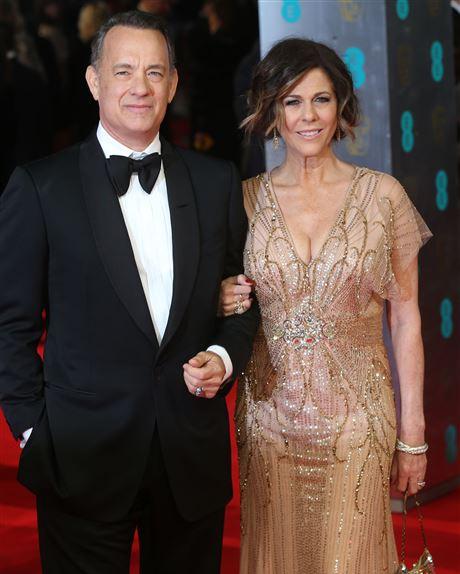Tom Hanks và vợ. Ảnh: AP.