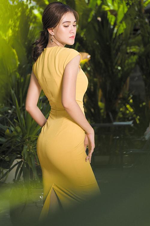 Bộ ảnh được thực hiện với sự hỗ trợ của nhiếp ảnh Thanh Giàu - Hùng Đại, người mẫuThanh Mai, trang điểmNguyễn Nam.