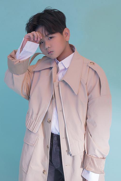 Với gương mặt bụ bẫm dễ thương và đáng yêu, cùng kỹ năng diễn xuất tốt, Huỳnh Phong Vinhtừng tham gia vai chính trong bộ phim điện ảnh Sói trắng.