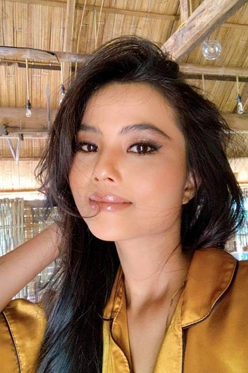 Nhan sắc em gái của HHen Niê