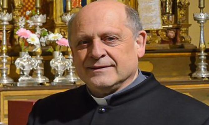 Linh mụcGiuseppe Berardelli. Ảnh: CNN.