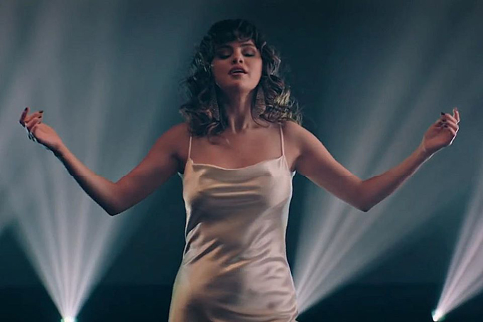 Selena Gomez quyến rũ trong MV mới.