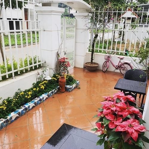 Nguyễn Ngọc Anh trốn Covid-19 trong khu vườn đầy hoa - 14