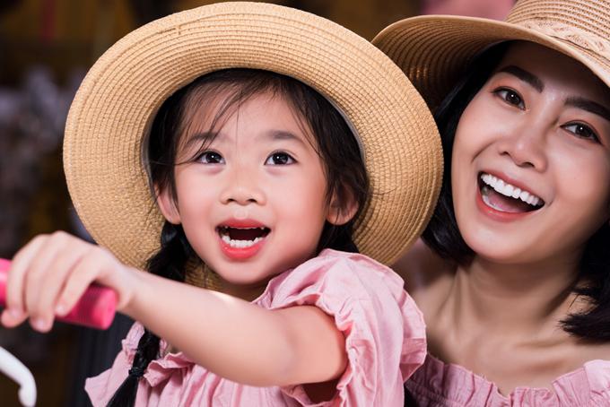 Mai Phương và con gái Lavie khi đi du lịch Hội An hồi giữa năm 2019.