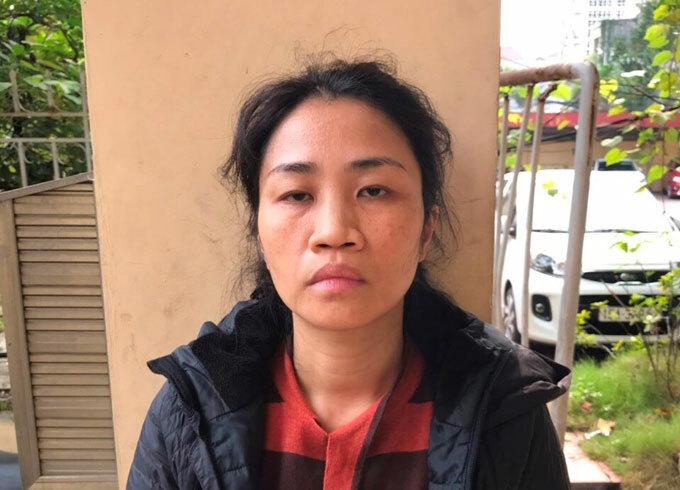 Vũ Thị Thu Vân bất hợp tác khi bị yêu cầu đo thân nhiệt.