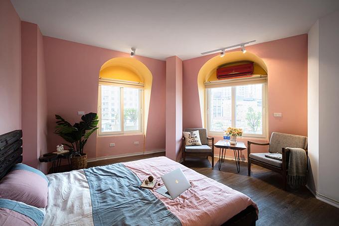 Các phòng ngủ đều có bàn trà để gia chủ nghỉ ngơi, thư giãn và đọc sách.