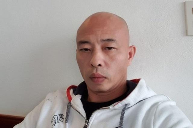 Bị can Nguyễn Xuân Đường vừa bị công an khởi tố thêm tội danh cố ý gây thương tích xảy ra ở trụ sở công an phường. Ảnh: Công an cung cấp