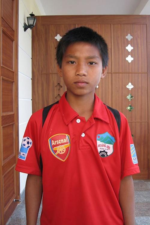 Hậu vệ Vũ Văn Thanh hồi mới gia nhập lò đào tạo trẻ của HAGL. Thời chưa dậy thì của các 'hot boy' bóng đá Việt