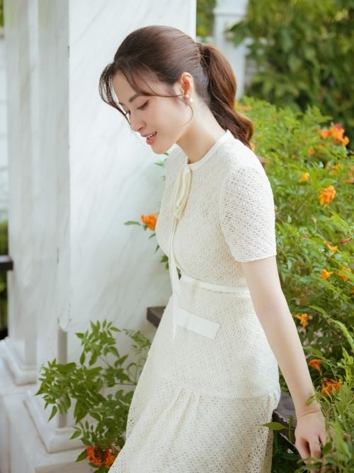 Ở tháng thứ 4 của thai kỳ, nữ ca sĩ vẫn 'hết mình' thực hiện sản phẩm mới. Ra mắt MV ở thời điểm mang thai là điều ý nghĩa đối với bà xã Ông Cao Thắng.