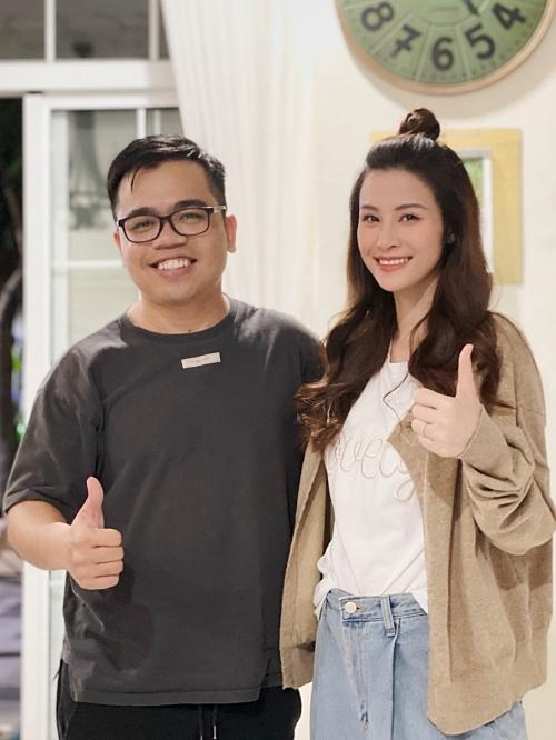Nữ ca sĩ kết hợp cùng nhạc sĩ Khắc Hưng và đạo diễn Kawaii Tuấn Anh trong MV lần này.