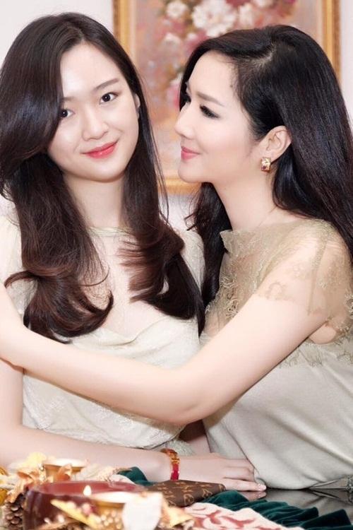 Con gái Anh Sa cũng thừa hưởng nhiều nét đẹp từ Giáng My. Anh Sa được chú ý từ nhỏ vì ngoại hình nổi bật mỗi khi xuất hiện cạnh mẹ. Mỗi lần đi cùng nhau, hai mẹ con Giáng My được nhận xét trông như hai chị em.