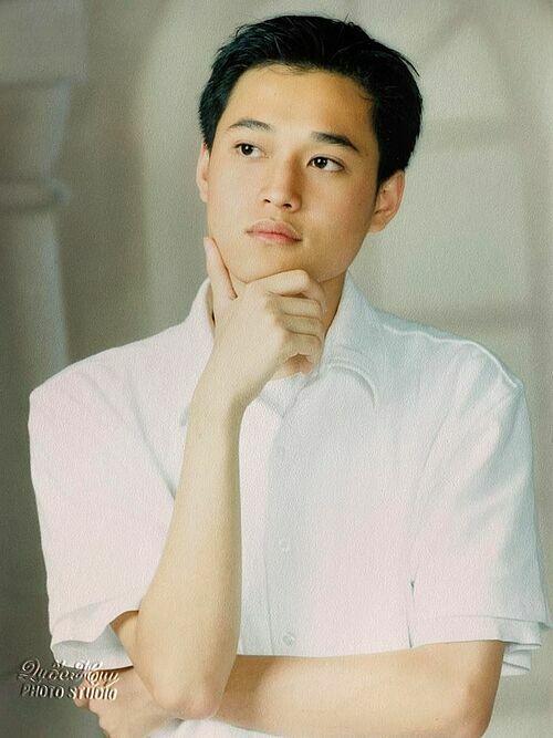 Hoàng tử sơn ca Quang Vinh lục lại ảnh cũ năm 18 tuổi.