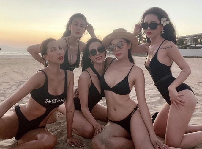 Minh Triệu, Hà Lade, Diệp Lâm Anh, Kỳ Duyên và doanh nhân Lucie Nguyễn (từ trái qua) tạo nên nhóm bạn thân toàn những quý cô sang chảnh của showbiz Việt.Các cô gái đều giàu có, sở hữu vóc dáng sexy, phong cách ăn mặc đẹp và sành điệu.