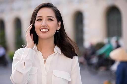 Hoa hậu Mai Phương Thúy tỏa sáng với các mẫu trang sức nằm trong bộ sưu tập Rays of Lightcủa DOJI.