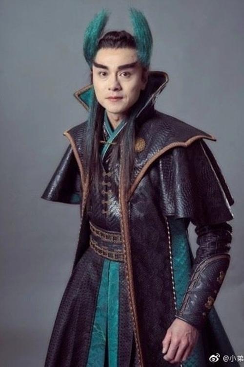 Huỳnh Hạo Nhiên bị chê lòe loẹt khi đóng Vi Nhất Tiếu.