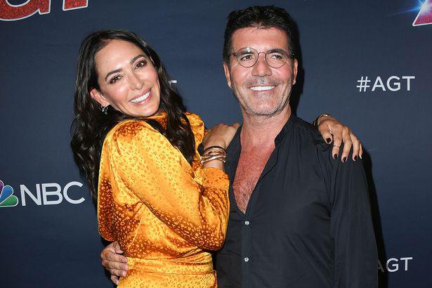 Bạn gái Simon Cowell nghi ngờ anh ngoại tình với Mel B.