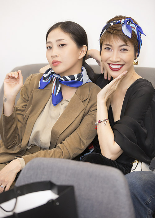 MC Liêu Hà Trinh vui vì được găp lại ca sĩ Pha Lê và nhiều bạn bè sau mấy tháng ở nhà tránh dịch.