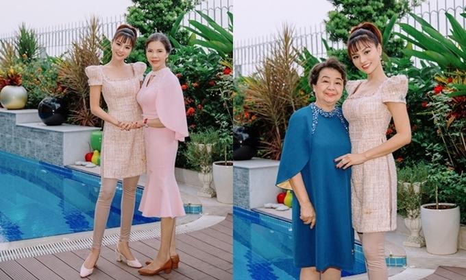Siêu mẫu Vũ Thu Phương chụp hình bên mẹ ruột và mẹ chồng, chúc mừng Ngày Của Mẹ.