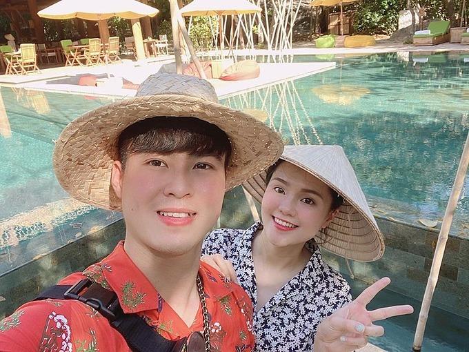 Vợ chồng Duy Mạnh - Quỳnh Anh đi chơi dịp lễ 30/4 - 1/5.