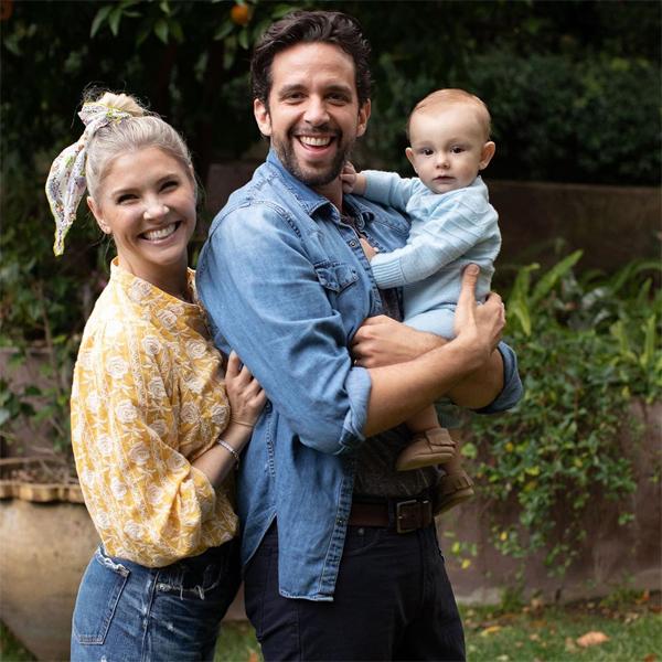 Vợ chồng Nick có con trai đầu lòng chưa đầy một tuổi.