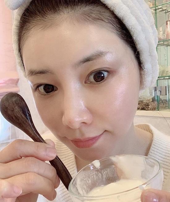 Mizutani dành nhiều thời gian cho việc chăm sóc da hàng ngày.