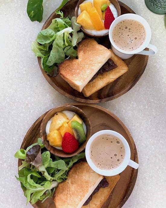 Bữa sáng đủ dinh dưỡng của bà mẹ U60.