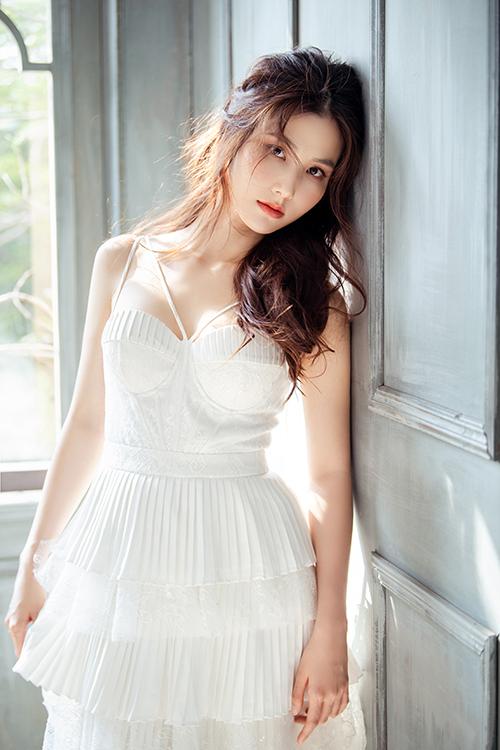 Tình yêu và tham vọng là dự án đầu tiên Diễm My 9X hợp tác với một êkíp phía Bắc. Cô rất kỳ vọng và đặt hết tâm huyết vào vai diễn Phan Linh.