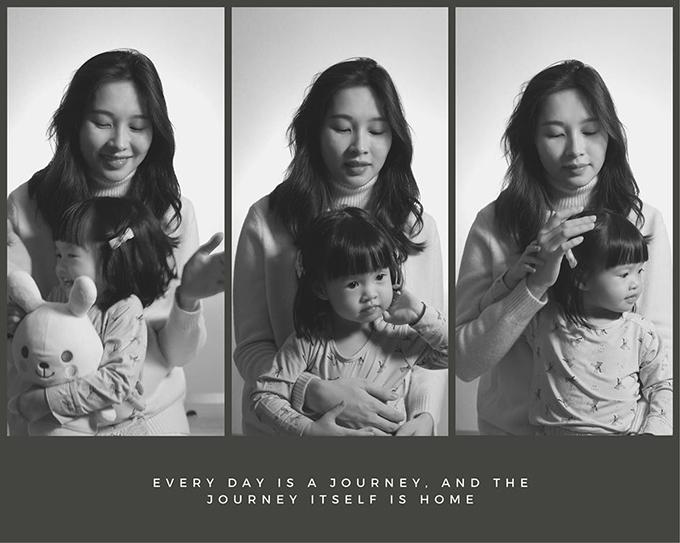 Ở tuổi lên 2, Sophie chuẩn bị làm chị khi Thu Thảo đang mang bầu con thứ hai. Chị và Sophie chụp ảnh kỷ niệm khi chị đang bước vào những tháng cuối thai kỳ.