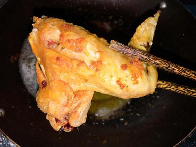 Cánh gà mắm tỏi ăn kèm xôi - 3