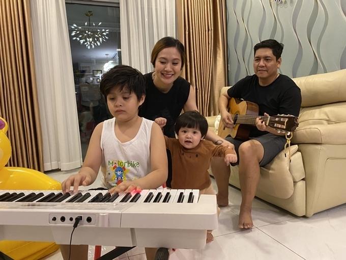 Gia đình Thanh Thuý - Đức Thịnh.