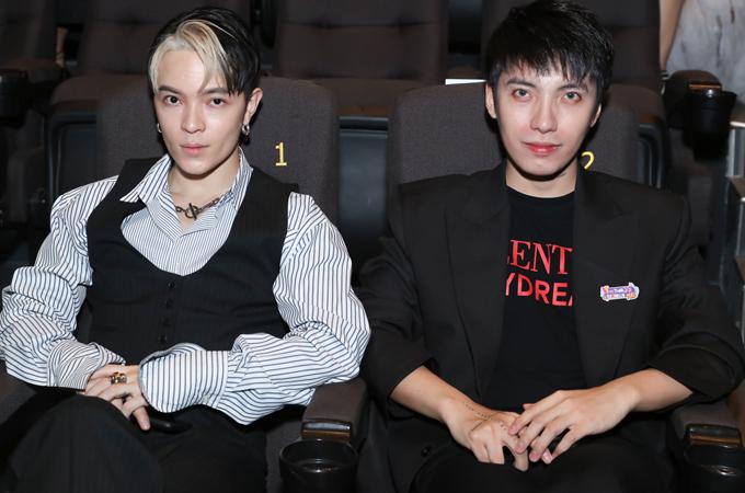 Stylist Kelbin Lei (trái) hội ngộ đồng nghiệp Kye. Cả hai đều là những cái tên nổi tiếng, đang hỗ trợ định hình phong cách cho nhiều sao Việt.