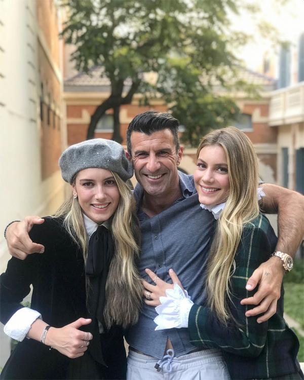 Hai con gái đầu của Figo là Daniela (trái) và Martina cũng theo nghiệp mẹ làm người mẫu. Daniella vừa đón sinh nhật 21 tuổi hồi tháng 3 còn Martina cũng tròn 18 tuổi hồi tháng 2.