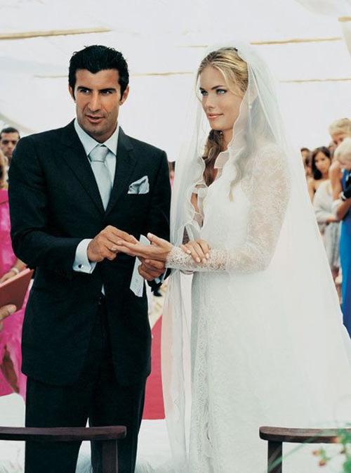 Luis Figo và bà xã Helen Svedin gặp nhau tại một buổi hòa nhạc ở Barcelona năm 1995 khi anh vừa tới Barca thi đấu. Hai người đã trao đổi số điện thoại và Helen Svedin là người gọi điện trước, bắt đầu một mối tình ngọt ngào. Cặp sao kết hôn năm 2001 khi con gái đầu lòng Daniela được hai tuổi. Vợ chồng Figo cưới tháng 5/2001 tại Madrid, Tây Ban Nha, sau đó vào tháng 7 tổ chức hôn lễ ở quê nhà Bồ Đào Nha của chú rể.