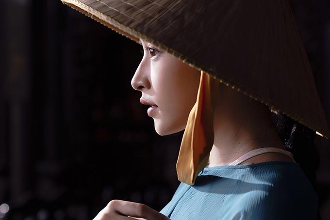 Tạo hình cô Ba Trà của Chi Pu nhận được nhiều lời khen từ fan. Số đông đều cổ vũ sự đầu tư chỉn chu của ê-kíp trong việc phác hoạ vẻ đẹp con người và phong cảnh miền Tây sông nước.