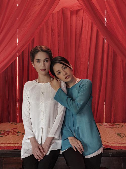 Cùng với Chi Pu là sự góp mặt của Ngọc Trinh. Nữ hoàng nội y cũng được chọn các mẫu áo bà ba, áo dài đúng phong cách miền Tây để tham gia các cảnh quay.