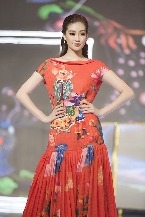 So với lúc mới đăng quang, Hoa hậu Khánh Vân  có nhiều thay đổi về phong cách lẫn ngoại hình.