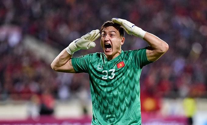 Văn Lâm trở thành thủ môn số một dưới thời HLV Park Hang-seo. Ảnh: Giang Huy.