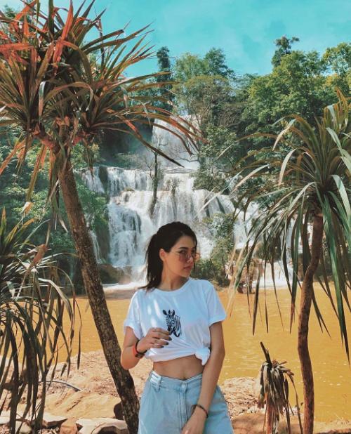 Du lịch từ Bắc chí Nam, Phanh Lee không thể bỏ qua những cảnh đẹp ở Tây Nguyên với các thác nước hùng vĩ, phong cảnh nguyên sơ.