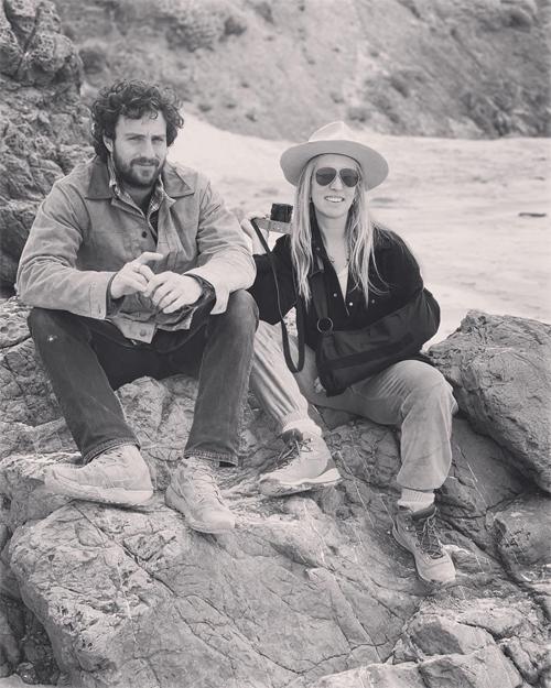 Nữ đạo diễn kỷ niệm 8 năm ngày cưới bên chồng kém 23 tuổi.