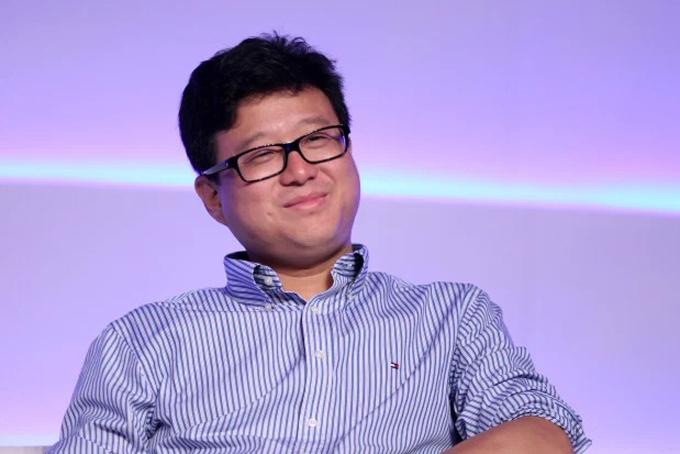 Tỷ phú Trung Quốc Ding Lei, nhà sáng lập kiêm CEO của hãng game NetEase đã mua một biệt thự của tỷ phú Elon Musk tại khu dân cư cao cấp Bel-Air ở thành phố Los Angeles, bang California với giá 29 triệu USD.