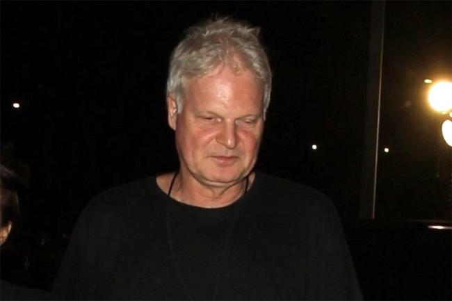 Nhà sản xuất phim Steve Bing.