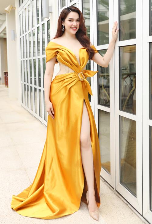 Hoa hậu Đông Nam Á Diệu Hân mặc lộng lẫy trong ngày ra mắt thương hiệu mỹ phẩm Việt Nam do cô sáng lập.