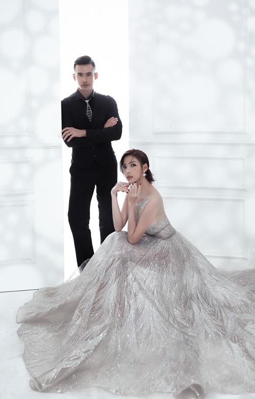 Bộ ảnh được thực hiện bởi váy cưới, trang điểm: Hiwon Makeup & Bridal, người mẫu: Lương Thế Thành - Thúy Diễm, làm tóc: Jimin, photo: Tran Vu Bang.