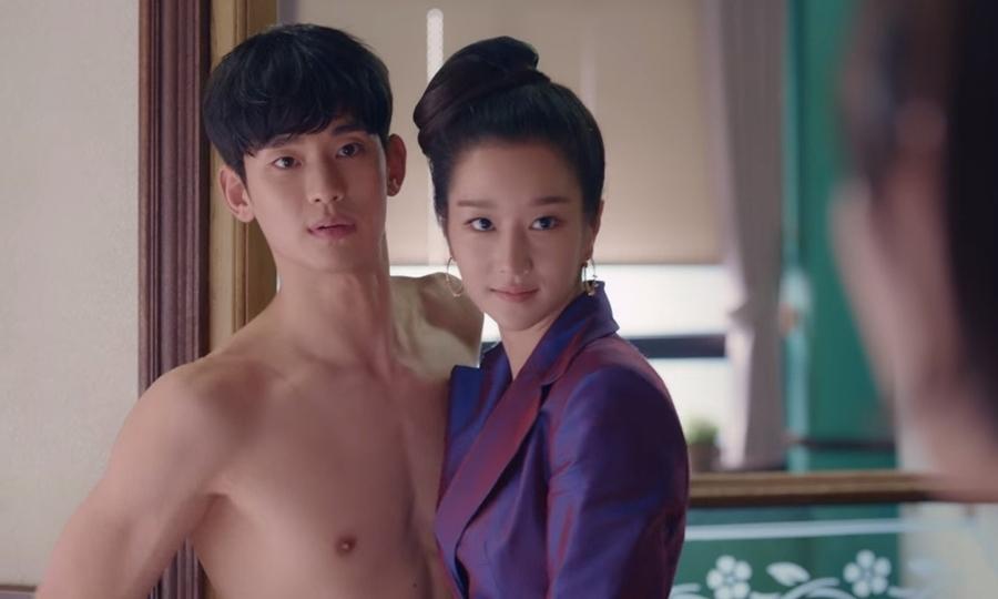 Kim Soo Hyun tích cực khoe thân trên phim
