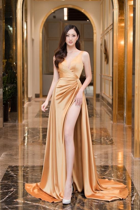 Hoa hậu Thế giới Việt Nam 2019 Lương Thùy Linh khoe chân dái 1,22m.