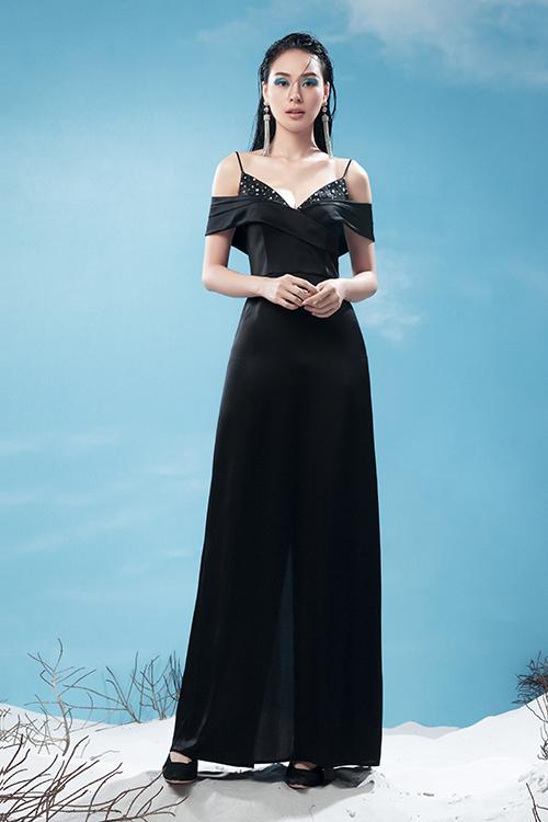 Đầm hai dây kết hợp với chi tiết trễ vai mang tới nét độc đáo cho dáng váy quyen thuộc. Cách kết hợp các chất liệu lụa, voan lụa tạo nên trang phục phối layer độc đáo.