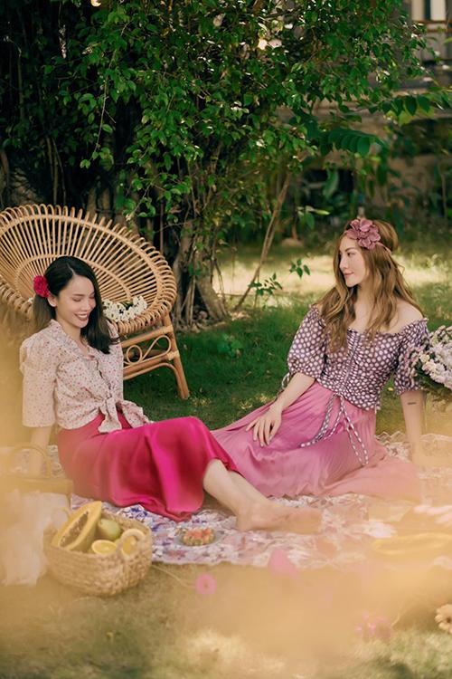 Bộ ảnh được thực hiện với sự hỗ trợ của nhiếp ảnh Khánh Duy, trang điểm Trần Quốc Huy.