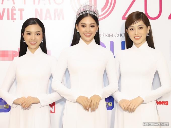 Ban tổ chức Hoa hậu Việt Nam cũng thông báo top 3 đương kim: á hậu 2 Thúy An, hoa hậu Tiểu Vy, á hậu 1 Phương Nga (từ trái qua) sẽ đồng hành xuyên suốt cùng thí sinh năm nay.