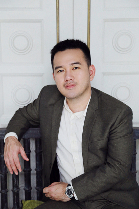 Lê Thanh Hòa là nhà thiết kế nổi tiếng và có sức ảnh hưởng của làng thời trang Việt. Tiếp tục giữ vai trò giám khảo sau mùa giải 2018, anh