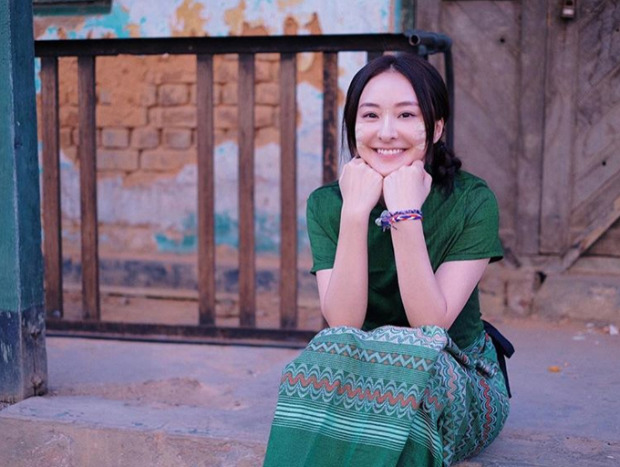 [Caption] when you expect nothingand appreciate everythinglife becomes much simpler and happier mandalay myanmar 3 19